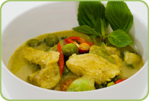 Thai-green-chicken-curry-with-steamed-vegetables-300x203